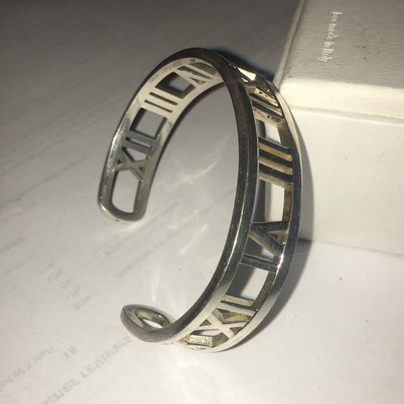 6cf7f0eaa Tiffanys&Co silver Roman numeral unisex cuff. M_5b62858f5a9d2193a3aee981